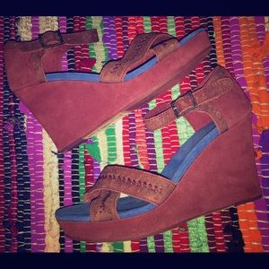 Tom's open toe strappy platform wedge size 9